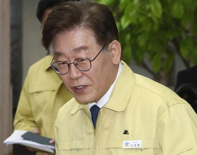 코로나19 대응 관련 간담회에 참석하는 이재명 경기도지사(자료사진) ⓒ데일리안 홍금표 기자