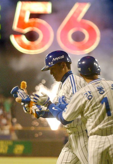 이승엽의 2003년 56홈런은 프로야구사에서 최고의 명장면으로 꼽힌다. ⓒ 연합뉴스