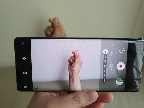LG전자 전략 스마트폰 'LG 벨벳' 동영상 촬영 기능인 '타임랩스'. 별도의 설정을 하지 않아도 촬영 대상이나 움직임에 따라 자동으로 속도를 60배속까지 조절해준다.ⓒ데일리안 김은경 기자