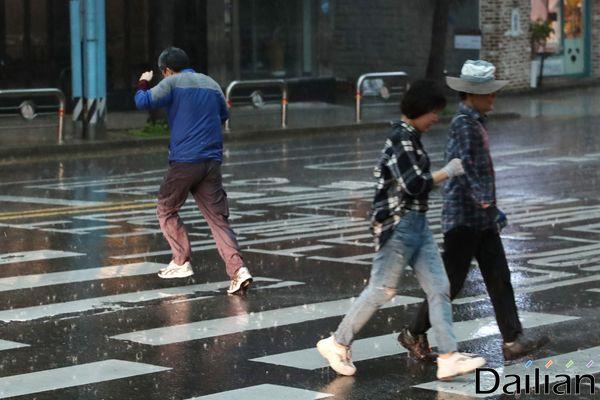 22일 저녁부터 서울·경기도 및 강원 영서에 비가 내릴 전망이다. ⓒ데일리안 류영주 기자