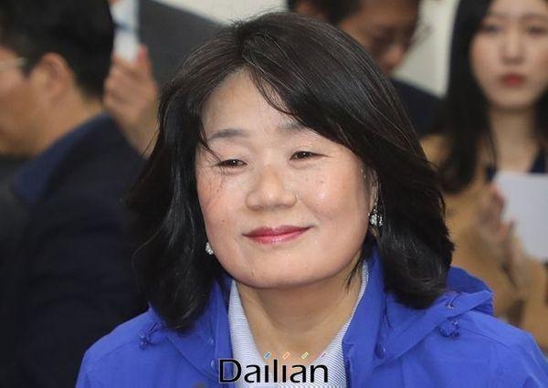 정의기억연대 이사장 출신 윤미향 더불어민주당 당선인. ⓒ데일리안 박항구 기자