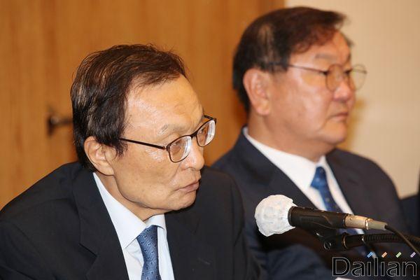이해찬 민주당 대표가 27일 서울 더케이 호텔에서 개최된 최고위원회에서 모두발언을 하고 있다. ⓒ데일리안 류영주 기자