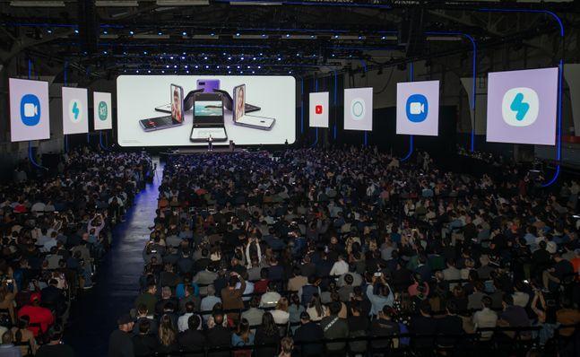 지난 11일(현지시간) 미국 샌프란시스코 팰리스 오브 파인 아트에서 열린 '갤럭시 언팩 2020' 행사장의 모습.ⓒ삼성전자