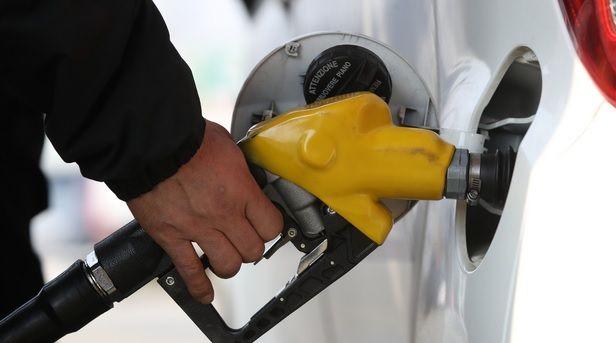 지난 28일 (현지시간) 뉴욕상업거래소(NYMEX)에서 7월 인도분 서부 텍사스산 원유(WTI)는 전날보다 배럴당 2.7%(0.90달러) 급등한 33.71달러에 거래를 마쳤다. ⓒ뉴시스