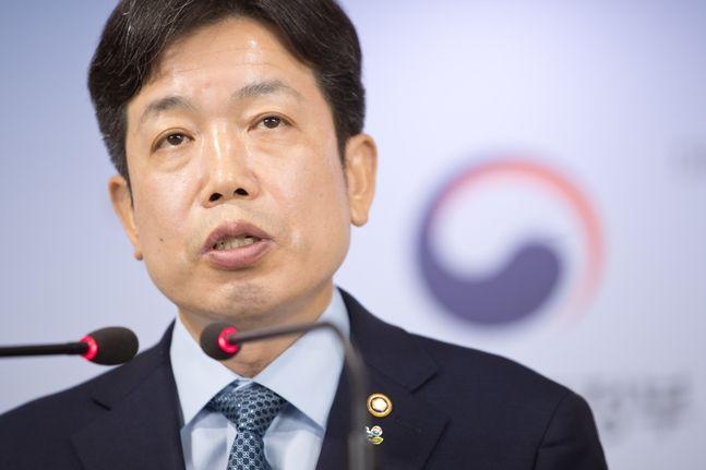 장석영 과학기술정보통신부 제2차관이 3일 오전 서울 종로구 정부서울청사 본관 브리핑룸에서