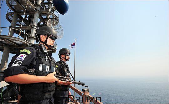 해상 경계임무를 수행하고 있는 경찰(자료사진). ⓒ데일리안 DB