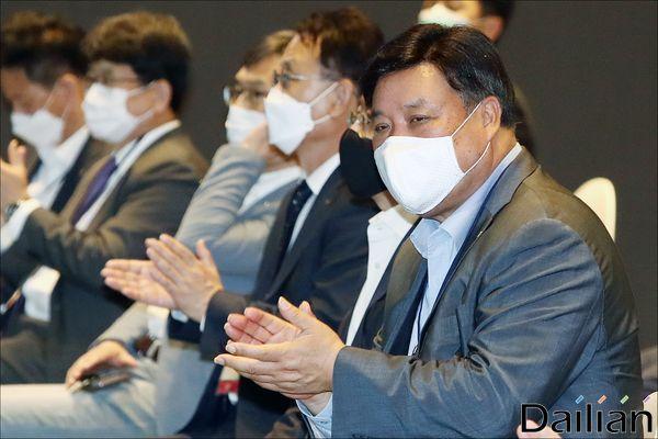 서정진 셀트리온 회장이 23일 오후 서울 강남구 코엑스에서 열린
