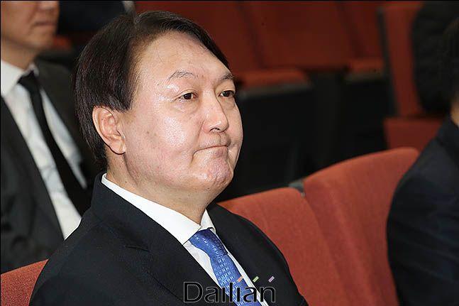 윤석열 검찰총장이 차기 대선주자 선호도 조사에 처음 포함돼 3위를 기록했다.(자료사진) ⓒ데일리안 류영주 기자