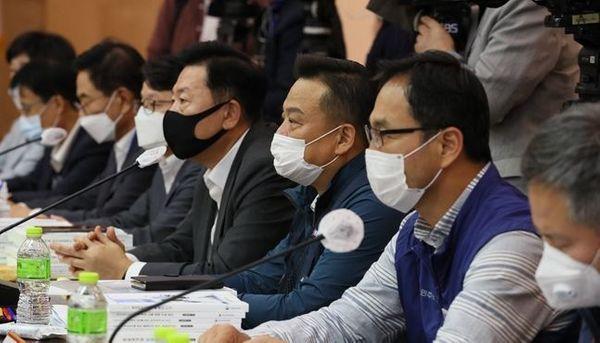 지난 1일 최저임금위원회 4차 전원회의 ⓒ연합뉴스