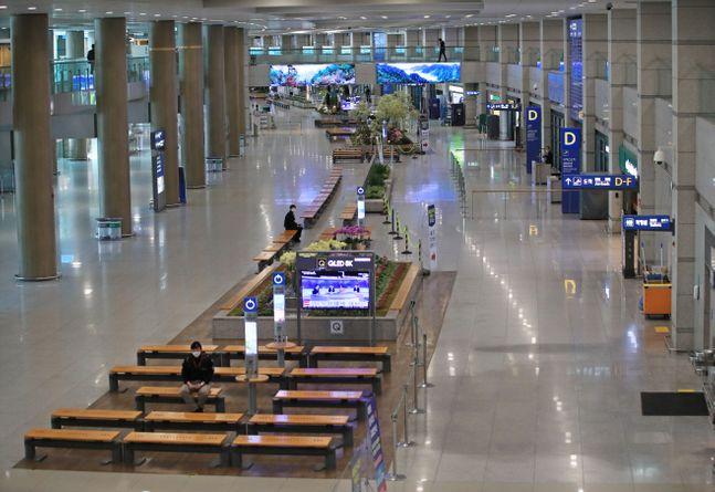 한산한 인천공항 모습 ⓒ연합뉴스