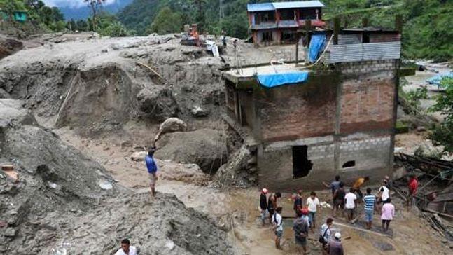 네팔에서 장마로 잇따라 산사태가 발생해 최근 이틀 사이에만 최소 16명이 숨졌다.ⓒAFP/연합뉴스