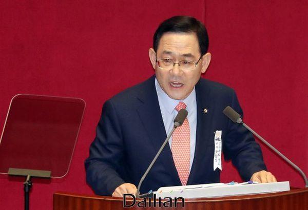 주호영 미래통합당 원내대표가 21일 오전 열린 국회 본회의에서 교섭단체 대표연설을 하고 있다. ⓒ데일리안 박항구 기자