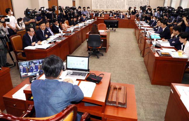3일 오후 국회에서 법제사법위원회 전체회의가 진행되고 있다.ⓒ데일리안 박항구 기자