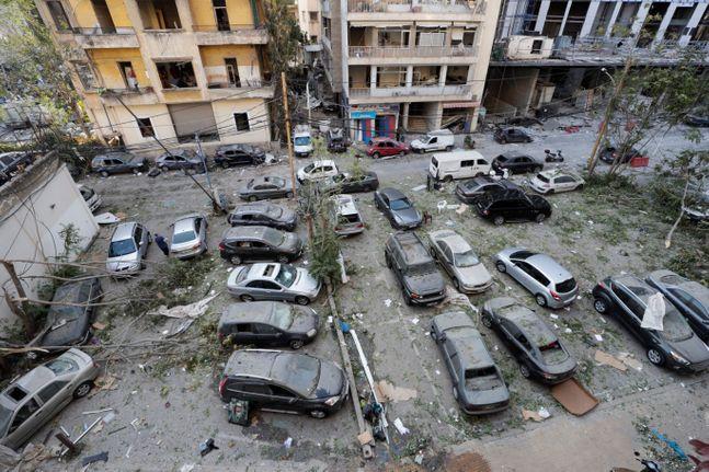 5일(현지시간) 레바논 베이루트 항구에서 발생한 대규모 폭발로 피해입은 도심. ⓒ AP/뉴시스