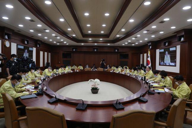 홍남기 경제부총리 겸 기획재정부 장관 주재로 지난 7월 23일 서울 종로구 정부서울청사에서