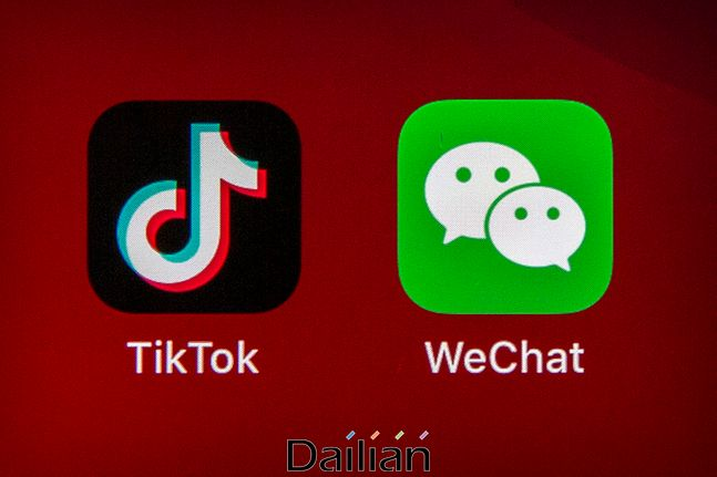 한 휴대전화 화면에 나타나 있는 틱톡과 위챗 애플리케이션 아이콘(자료사진). ⓒAP/뉴시스