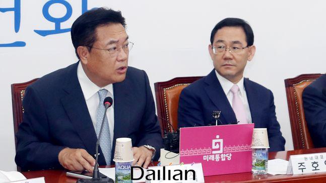 정진석 미래통합당 의원이 국회에서 열린 비상대책위원·중진의원 연석회의에서 발언하고 있다. ⓒ데일리안 박항구 기자