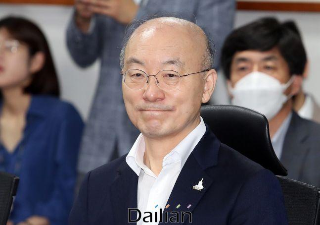 지난 7월 30일 국회 의원회관에서 열린 국민을 위한 권력기관 개혁 당정청 협의에 참석했던 김조원 전 민정수석.(자료사진) @데일리안 박항구 기자