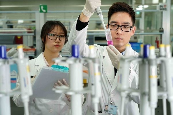 삼성바이오로직스가 세계 바이오의약품 위탁생산(CMO) 점유율을 30%까지 끌어올리며 '초격차' 기업으로의 도약을 예고했다.(자료사진) ⓒ삼성바이오로직스