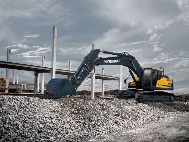현대건설기계가 최근 출시한 30톤급 A시리즈 굴삭기 모습(모델명: HX300A)ⓒ현대건설기계