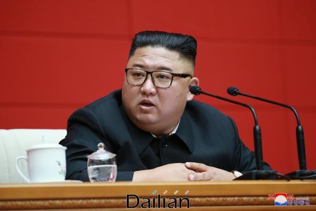 14일 조선중앙통신은 김정은 북한 국무위원장이 전날 당중앙위원회 본부청사에서 노동당 중앙위원회 제7기 제16차 정치국 회의를 진행했다고 보도했다. ⓒ조선중앙통신