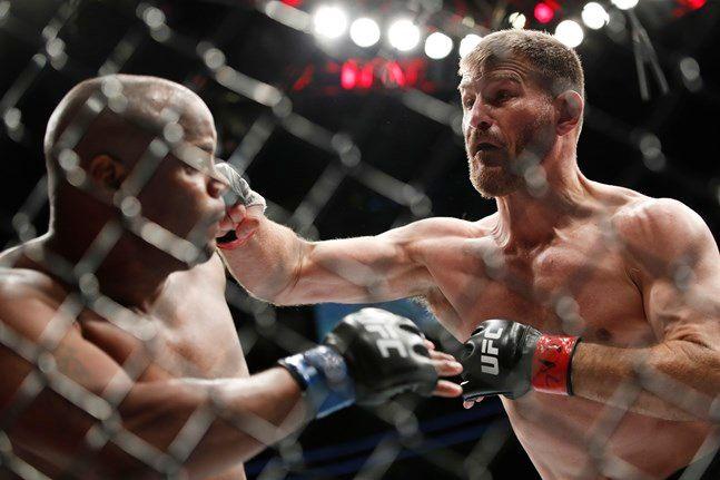 UFC 252 메인이벤트에서 대결하는 코미어-미오치치. ⓒ 뉴시스