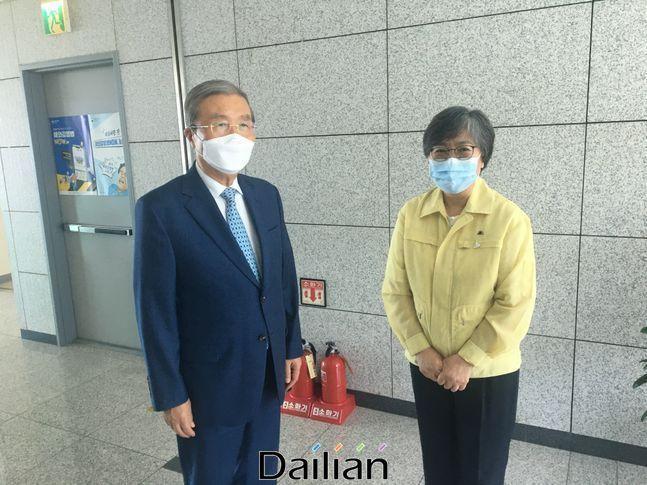 김종인 미래통합당 비상대책위원장이 21일 질병관리본부를 방문했다. ⓒ미래통합당