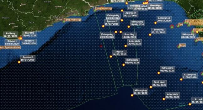 서아프리카 가나 해역 한국인 피랍 추정 지점(+ 표시) ⓒ드라이어드 글로벌 캡처