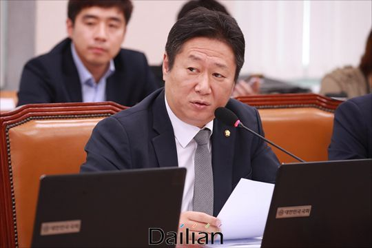 황희 더불어민주당 의원. ⓒ데일리안 홍금표 기자