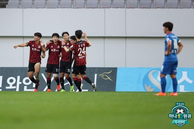 슈퍼 매치 승리로 6위로 점프한 서울. ⓒ 프로축구연맹
