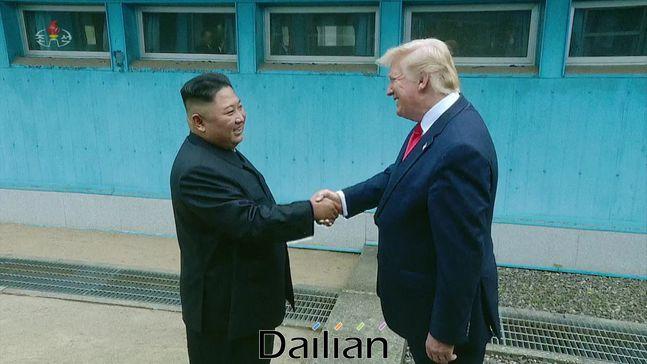 도널드 트럼프 미국 대통령과 김정은 북한 국무위원장(자료사진). ⓒ조선중앙TV 갈무리