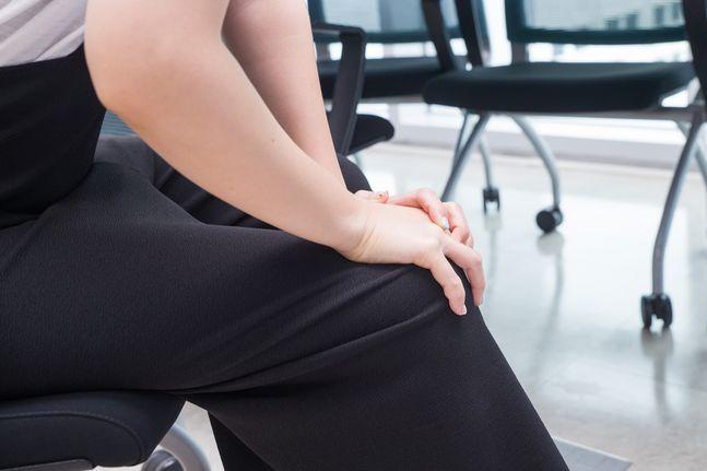 류마티스 관절염은 보통 35~50세 사이에 가장 흔하게 나타나며, 남녀 비율은 1대3 정도로 여성에게 더 많이 발생하는 질병이다. ⓒ고려대 안산병원