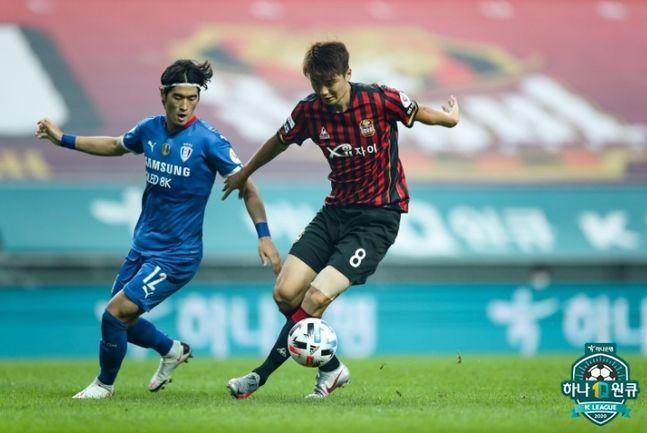 슈퍼매치에 나선 기성용. ⓒ 한국프로축구연맹