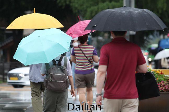 수요일인 16일은 전국이 대체로 흐린 가운데 비가 내리겠다. ⓒ데일리안 류영주 기자