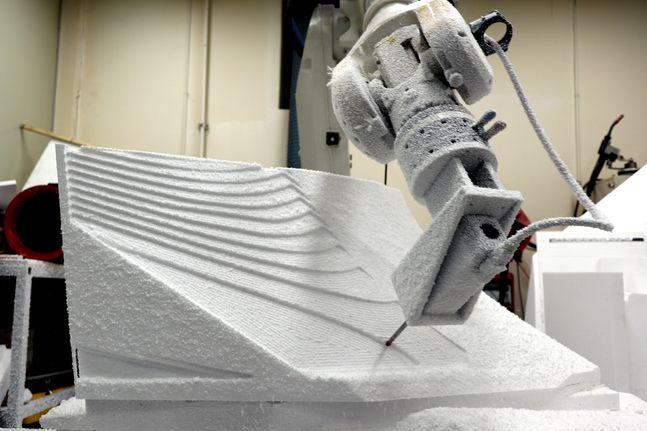 거푸집 제작용 6축 다관절 로봇 모습.ⓒ현대엔지니어링