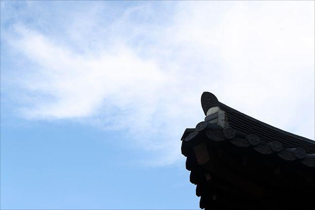 20일은 전국이 대체로 맑고 청명한 날씨를 보이겠다.ⓒ데일리안 류영주 기자