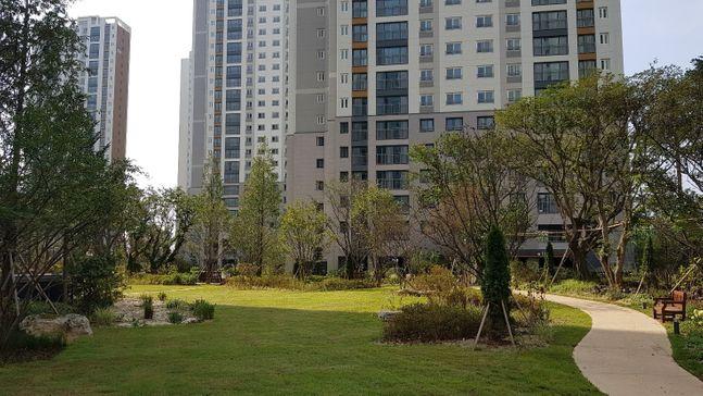 더샵 지제역 센트럴파크 더샵필드 잔디광장 ⓒ포스코건설