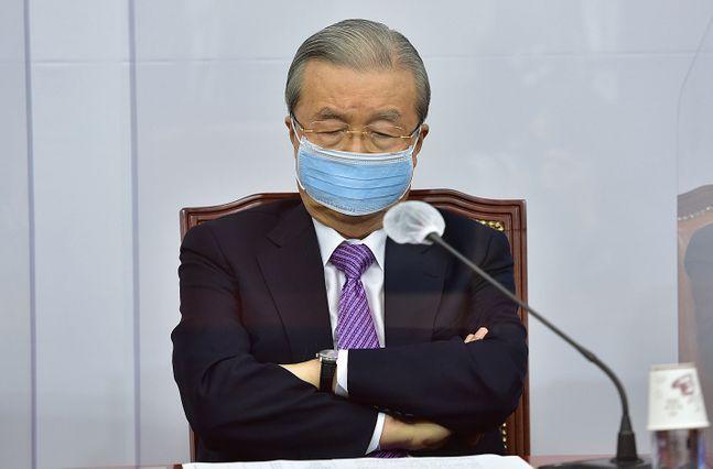국민의힘 김종인 비상대책위원장이 지난 21일 오전 국회에서 열린 비상대책위원회의에서 생각에 잠겨있다.(자료사진) ⓒ데일리안 박항구 기자