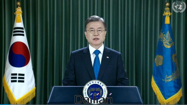 문재인 대통령이 22일(현지시각) 화상으로 진행횐 제75차유엔 총회 기조연설에서 종전선언을 언급했다. ⓒUNTV 갈무리