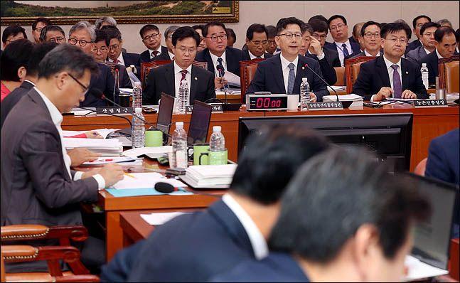 지난해 10월 국회에서 국회 농림축산식품해양수산위원회 국정감사가 진행되고 있다. ⓒ데일리안 박항구 기자