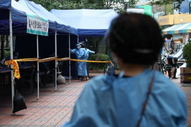 국내 신종 코로나바이러스 감염증(코로나19)이 신규 확진자 수가 100명 아래로 떨어졌다. 지난 22일(61명) 이후 나흘 만에 두 자릿수를 기록한 것이다.(자료사진) ⓒ데일리안 류영주 기자