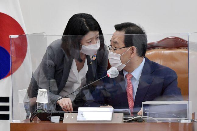 국민의힘 주호영 원내대표와 배현진 원내대변인(자료사진). ⓒ뉴시스