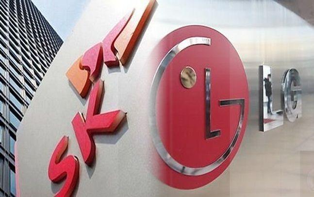 SK그룹(왼쪽)과 LG그룹 로고.ⓒ각사