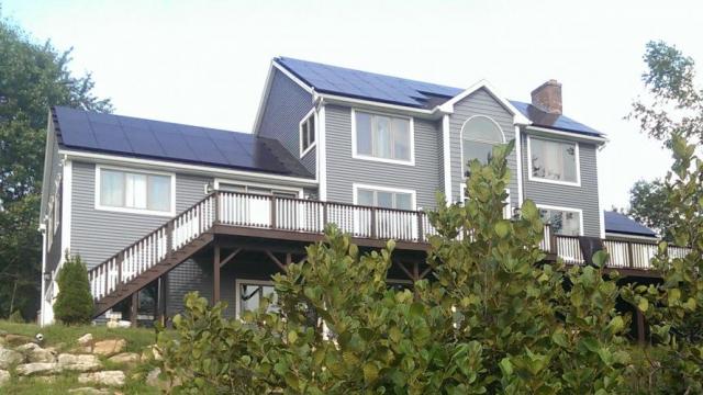 미국 뉴햄프셔(New Hampshire)주 주택에 설치된 한화큐셀 태양광 모듈ⓒ한화큐셀
