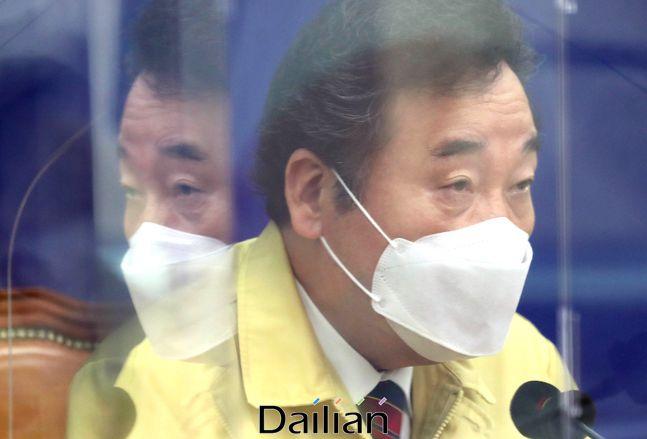 이낙연 더불어민주당 대표가 지난 23일 오전 서울 여의도 국회에서 열린 최고위원회의에서 모두발언을 하고 있다.ⓒ데일리안 박항구 기자