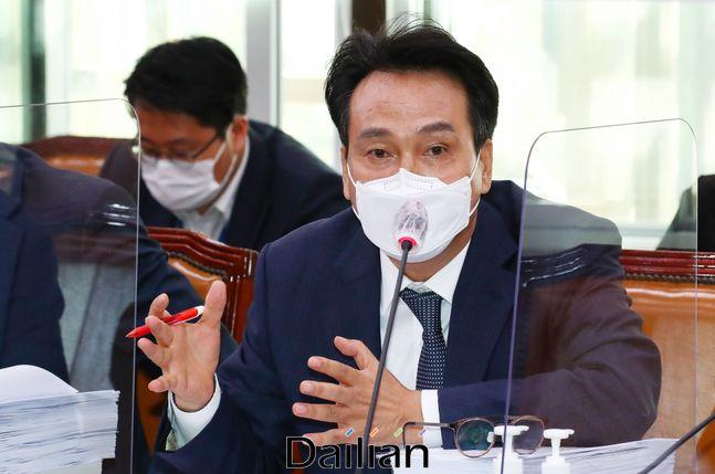 더불어민주당 안민석 의원이 28일 오전 국회에서 열린 외교통일위원회 전체회의에서 발언하고 있다.ⓒ데일리안 박항구 기자
