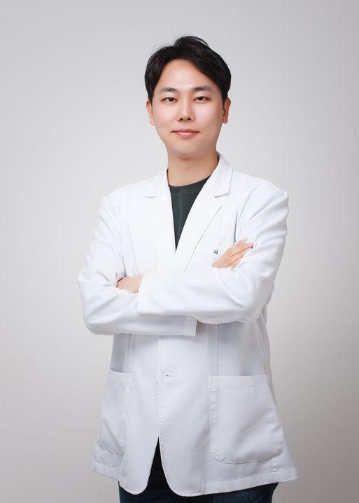 윤종우 대표원장 ⓒ톡스앤필