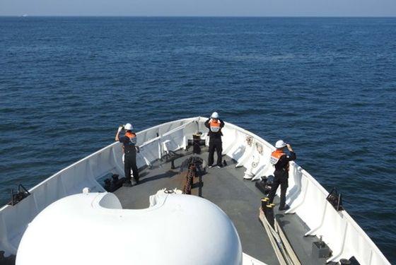 해양경찰이 28일 오후 인천 소청도 인근 해상에서 지난 22일 북한군의 총격으로 숨진 해양수산부 공무원 사건과 관련해 수색작업을 벌이고 있다. ⓒ해양경찰청 제공