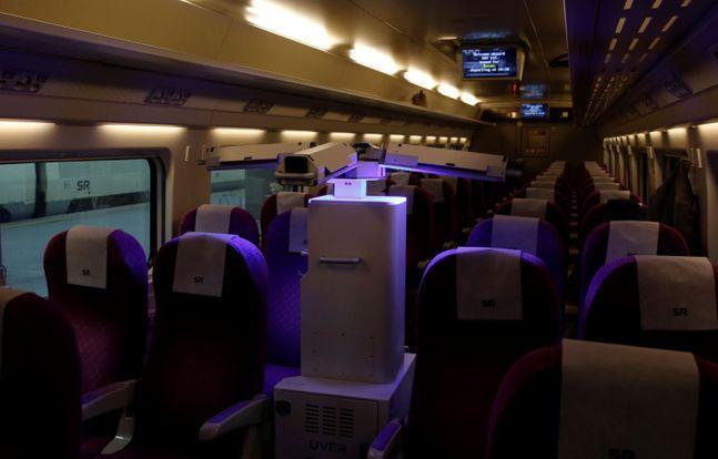 '방역로봇' 열차·역사 방역 모습.ⓒSR