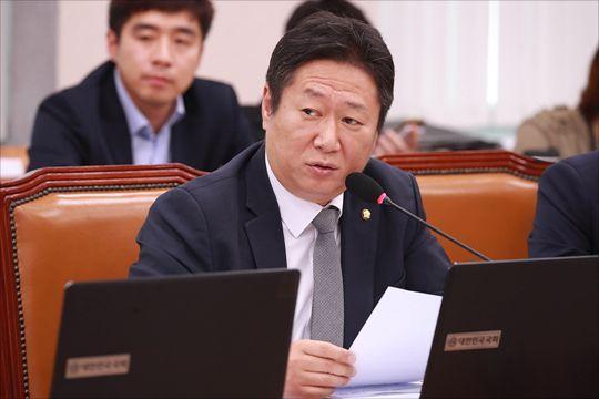 황희 더불어민주당 의원. ⓒ데일리안 박항구 기자